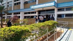 Primeiro dia de reabertura do INSS não tem atendimento ao público