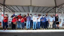 Prefeito Airton Garcia participa da entrega de chaves das 500 moradias do Vida Nova São Carlos