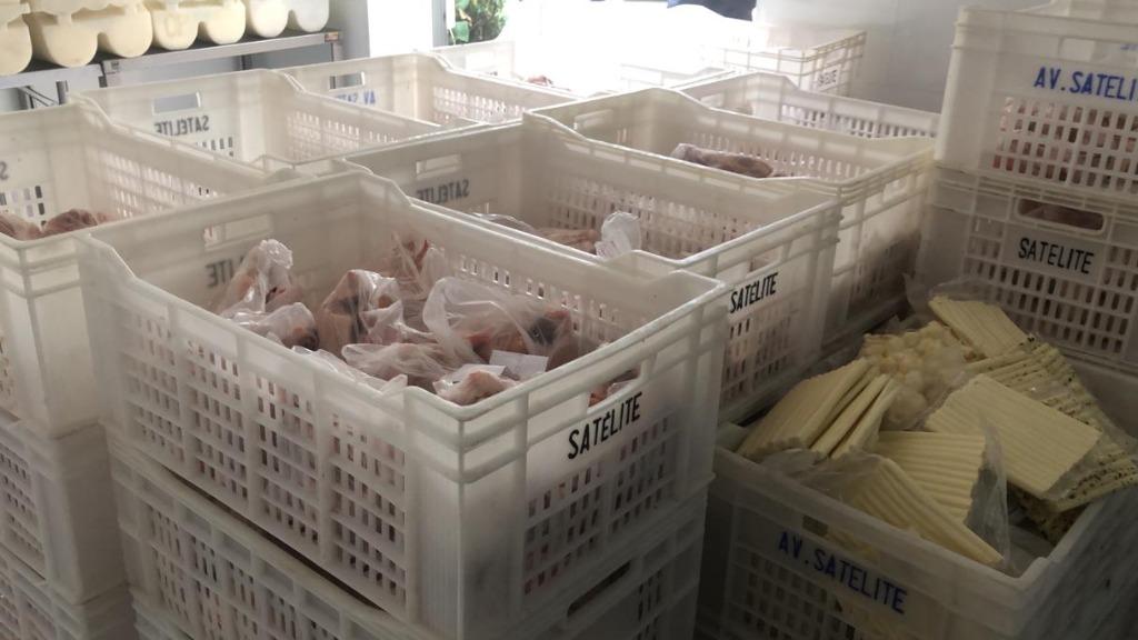 Alimentos estariam sendo vendidos estragados no Jd. Londres (Foto: Divulgação/Polícia Civil) - Foto: Divulgação/Polícia Civil