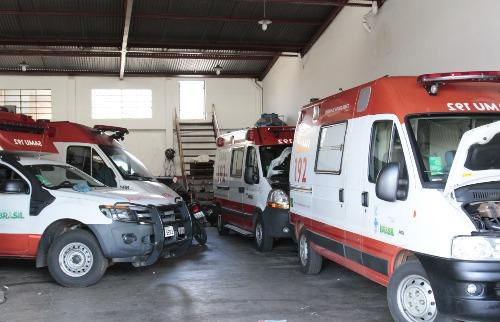 Renato Lopes / Especial - Das 11 viaturas do Samu paradas em duas oficinas da região, três estão com o motor fundido e precisam de licitação para o conserto