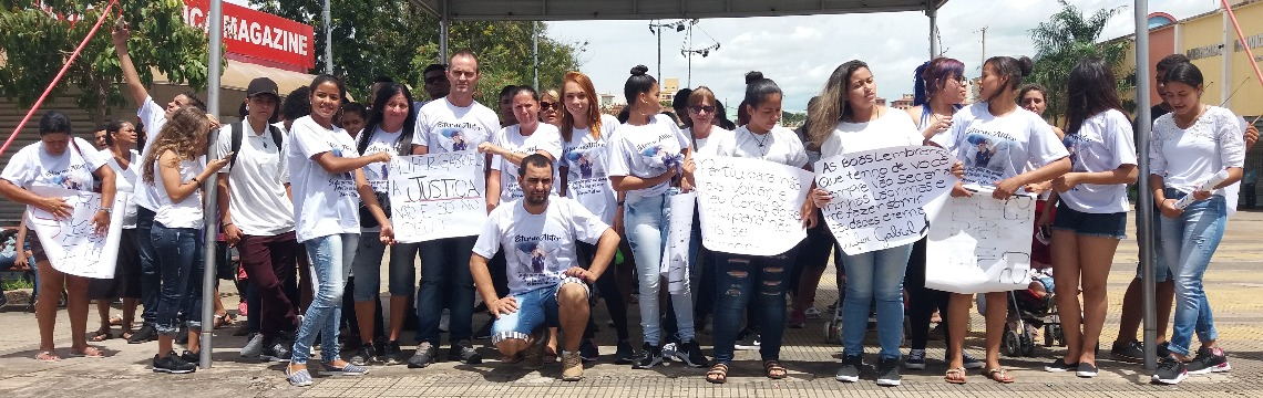 Amigos e familiares protestaram após morte de jovem em São Carlos - Foto: ACidade ON - São Carlos