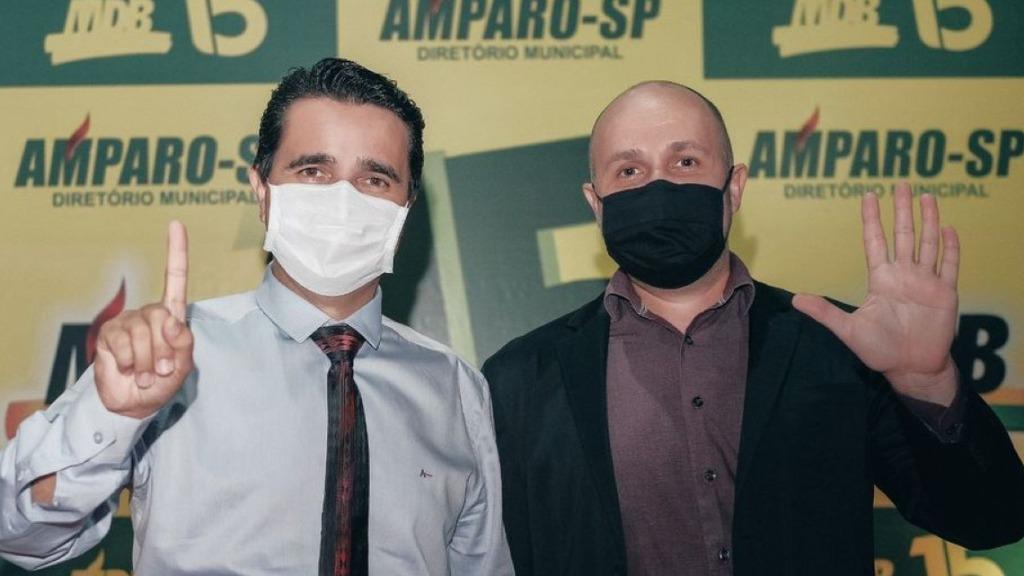 Carlos Alberto Martins candidato a prefeito e Gilberto Moreira Piassa Filho, a vice-prefeito nas eleições de Amparo (Foto:Divulgação) - Foto: Divulgação