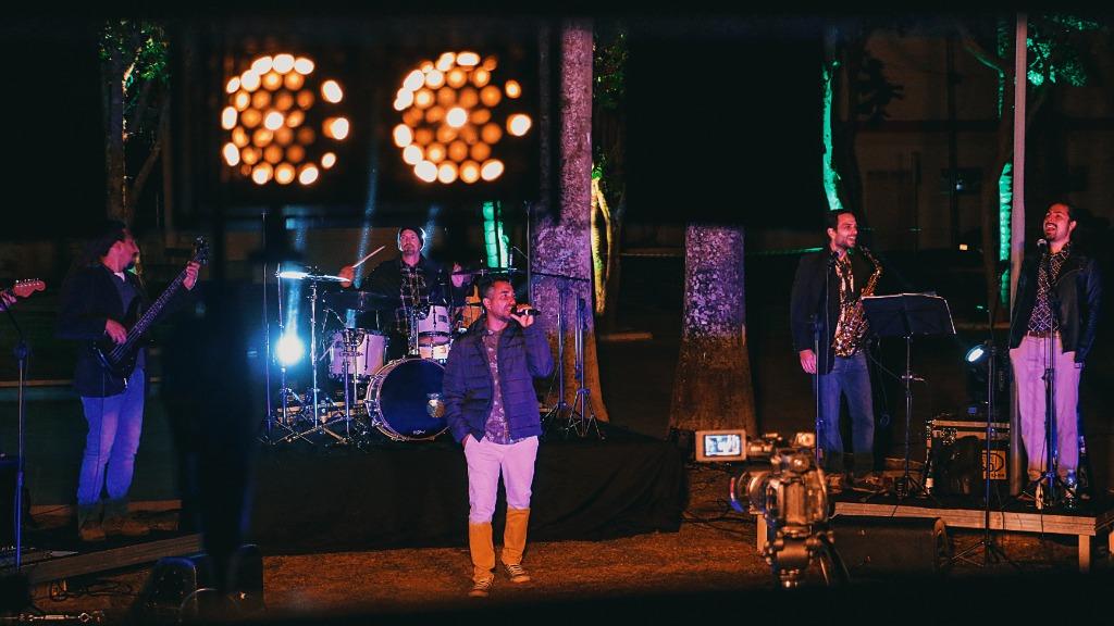 Participação da banda Freddy Groovers foi filmada ontem (21) em Amparo. (Foto: João Marcelo) - Foto: Divulgação