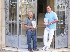 André Oliveira e Arnaldo Júnior lançam o livro 'Dani Down, Um Menino Legal' - Foto: Milena Aurea / A Cidade