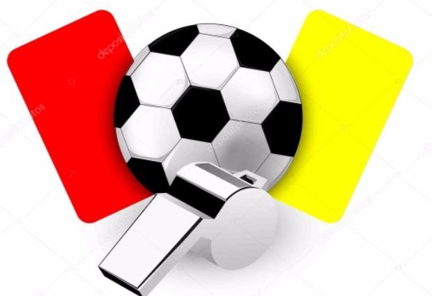 Resultado de imagem para Apito e cartão de futebol