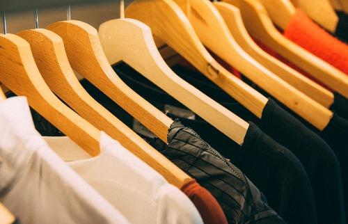 Arara de roupas (Foto: Pixabay) - Foto: Divulgação Pixabay