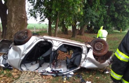 Divulgação - Duas pessoas morreram em acidente próximo à Araras (Foto: Beto Ribeiro)