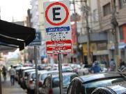Área Azul multa 63 motoristas por dia em São Carlos