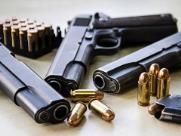 Secretário vê posse de arma como estimulo a violência; delegado crê em opção pessoal
