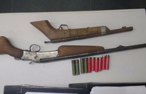 Armas apreendidas na casa do suspeito - Foto: ACidade ON - Araraquara