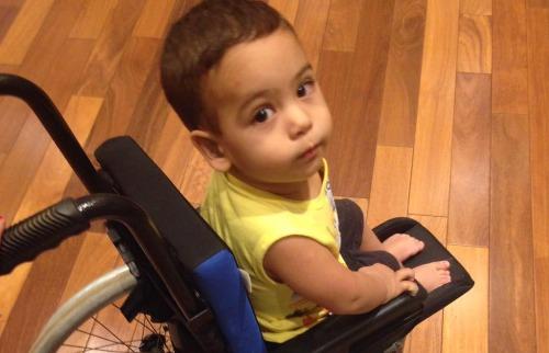 Divulgação - Arthur também busca doações para comprar remédio
