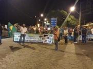 Na véspera do despejo, assentados fazem protesto e fecham acesso no pedágio de Bueno