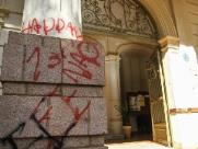 Quatro prédios são pichados em Araraquara em onda de vandalismo contra Bolsonaro