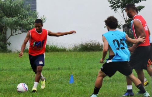 ACidade ON - São Carlos - Atletas em observação treinaram nesta quarta-feira, 14, no clube dos Metalúrgicos (Foto: Gustavo Curvelo/Divulgação)