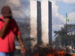 Ato contra o governo do presidente Michel Temer foi realizado nesta quarta-feira (24) em Brasília - Foto: Marcelo Camargo/Agência Brasil
