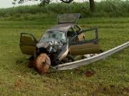 Quatro pessoas ficam feridas após carro capotar em rodovia de Sertãozinho