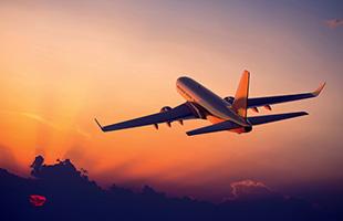 Divulgação - Avião durante voo