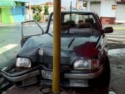 Batida no Monte Alegre deixa dois carros destruídos em Ribeirão