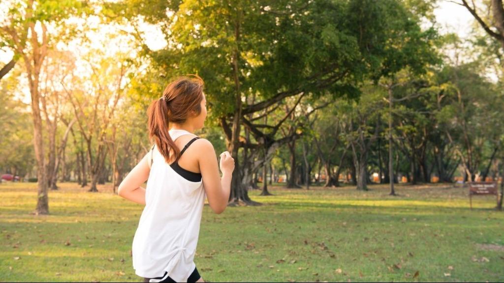 6 benefícios da corrida de rua para a saúde. Crédito: Divulgação/canva - Foto: Divulgação/canva