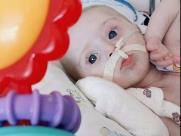 Avó faz 'vaquinha' para ajudar neto internado há quatro meses com problemas no coração