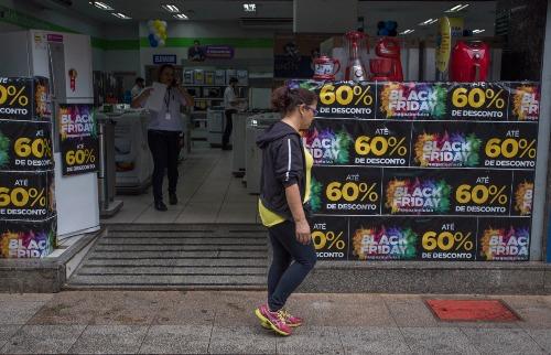 Weber Sian / A Cidade - Lojas apostam nas promoções da Black Friday (foto: Weber Sian / A Cidade)