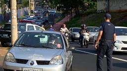Guarda Metropolitana faz blitz durante lockdown em Ribeirão