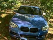 BMW é abandonada após acidente na zona Sul de Ribeirão Preto