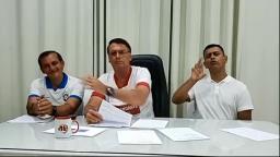Bolsonaro: Governo discutirá se infectados tomarão vacina