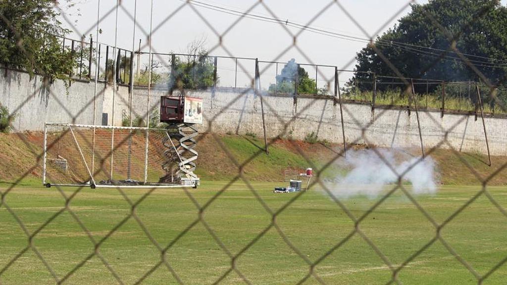 Bombas foram atiradas enquanto jogadores treinavam (Foto: Divulgação/Ponte Preta) - Foto: Foto: Divulgação/Ponte Preta