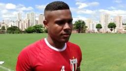 Botafogo encara Santos na Vila em momento delicado