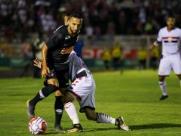 Na estreia de técnico, Botafogo perde para o Corinthians em casa