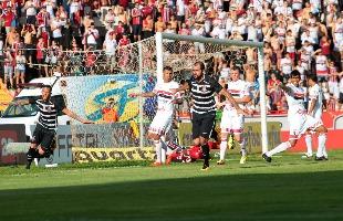 F.L.Piton / A Cidade - 13.mar.2016 - Em março deste ano, Corinthians venceu o Bota por 3 a 0 para um público pagante de 11.091