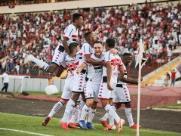 Botafogo continua soberano na série B do brasileiro
