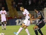 Botafogo leva gol no último minuto e fica fora do G-4