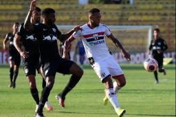 Botafogo é derrotado, mas escapa do rebaixamento
