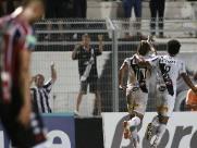 Botafogo tenta, mas completa a quarta derrota seguida no Paulista
