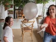 Confira dez brincadeiras para curtir com os filhos em casa