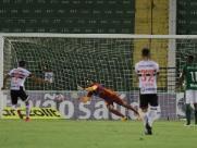 Botafogo vacila, erra pênalti e perde mais uma no Paulistão