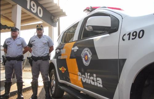 Cabo Morales e Sargento Faz, da Policiamento Rodoviário de Araraquara, são dois dos cinco policiais que fizeram a apreensão que materializou o início da investigação da Lava-Jato (Amanda Rocha/ACidadeON) - Foto: ACidade ON - Araraquara