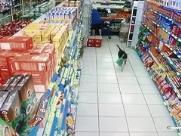 """Cachorro """"furta"""" bolacha de supermercado na região de Ribeirão"""