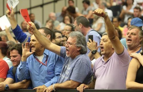 Matheus Urenha / A Cidade - Câmara ficou lotada de servidores durante a sessão de ontem