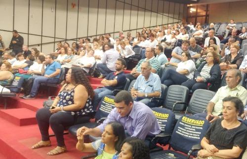 Marcelo Fontes / A Cidade - Servidores, aposentados e pensionistas foram para a Câmara de Ribeirão Preto para acompanhar a sessão desta quinta-feira (25)