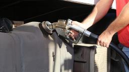 Preço do diesel continua subindo e tem o maior valor do ano