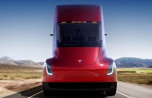 Divulgação - Tesla apresentou o caminhão elétrico com autonomia de 800 km (foto: Divulgação)