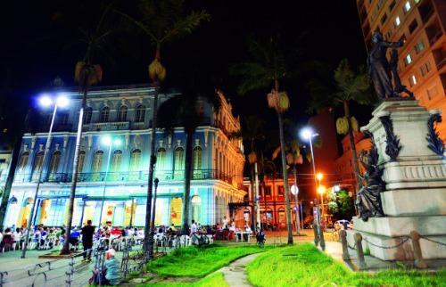 Foto: Divulgação Prefeitura - Cantata será nas janelas do prédio do Jockey no Centro. Foto: Divulgação Prefeitura