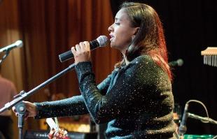 Tribuna Araraquara - Cantora apresenta um repertório composto por grandes sucessos da MPB, Bossa Nova, Black e Soul Music (Foto: Divulgação)