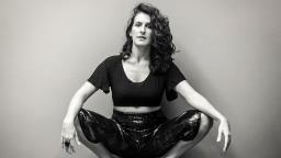 Sesc Campinas promove show virtual da cantora Iara Ferreira
