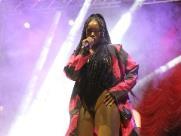 Show da cantora Iza lota Praça Pedro de Toledo