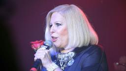 Cantora Vanusa morre aos 73 anos por insuficiência respiratória