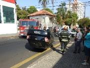 Capotamento deixa dois feridos no Centro de São Carlos